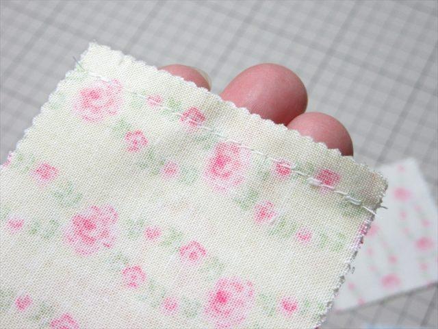 春待ちFleursミニキルト-縫い合わせる