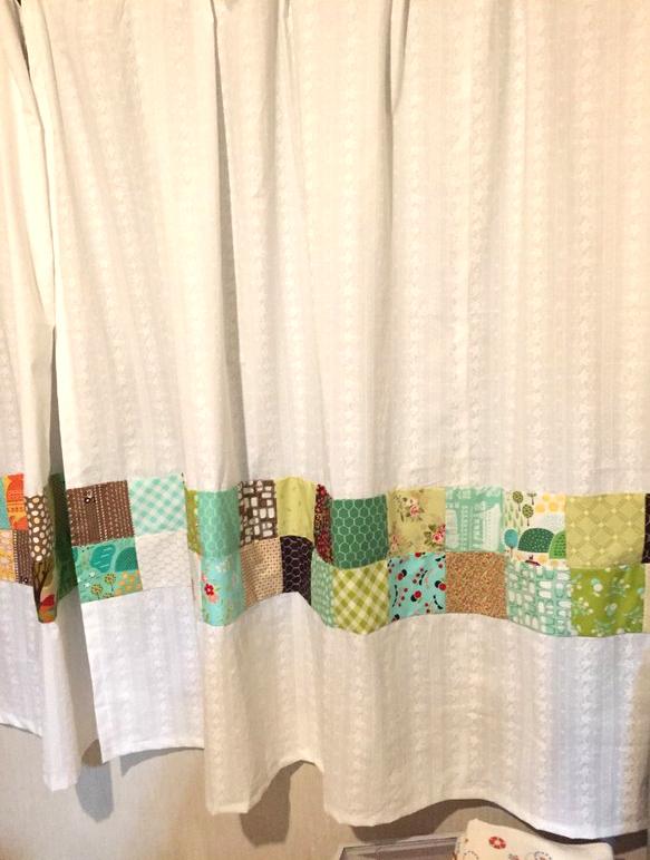 手縫いのカーテン
